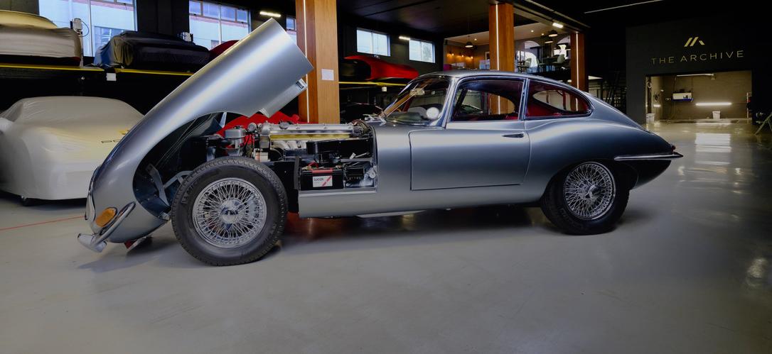 Jaguar-E-Type-S1-concours